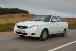 Что лучше купить: Ладу Приора или ВАЗ-2114
