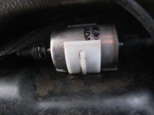 Как сделать замену топливного фильтра на Ладе Гранта