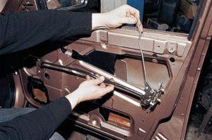 Как правильно открыть ВАЗ-2110 без ключа