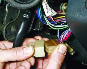 Как правильно завести ВАЗ-2114 без ключа зажигания