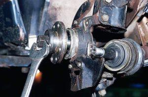 Как произвести замену ступичного подшипника ВАЗ-2110 переднего колеса