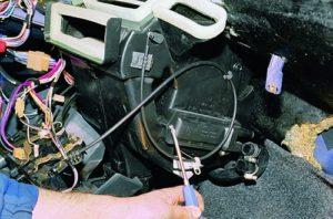 Как сделать замену крана печки на ВАЗ-2115 самостоятельно