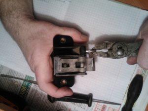 Как сделать замену личинки замка багажника на ВАЗ-2114