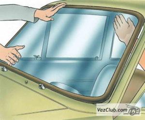 Как сделать замену лобового стекла на ВАЗ-2107 своими руками