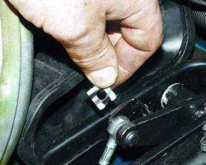 Как сделать замену тросика сцепления на ВАЗ-2112